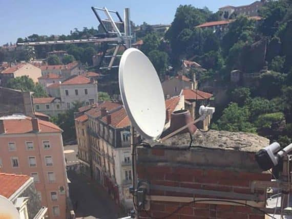 Branchement antenne satellite et terrestre